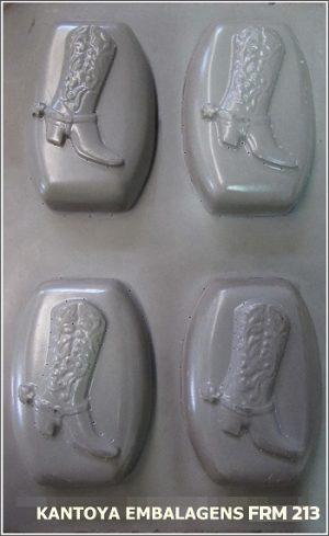 Forma Sabonete Vinólia com Botas